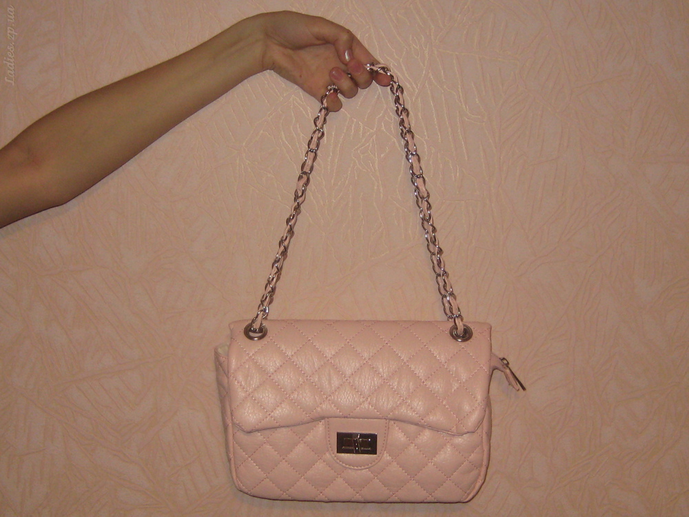 Лаконичная сумка Шанель из экокожи , цена 3 500 руб